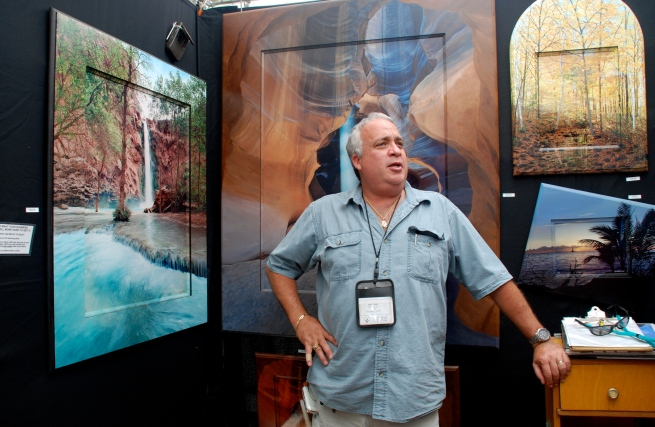 Artist Mike Albin in his booth